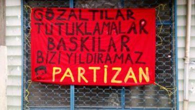 tutuklamalara karşı pankart asıldı