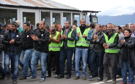 Murgulda maden işçileri greve çıktı