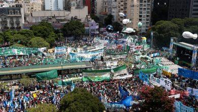 arjantinde yüzbinler sokakta